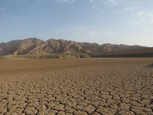 مخزن خشک شده سد حاجی آباد