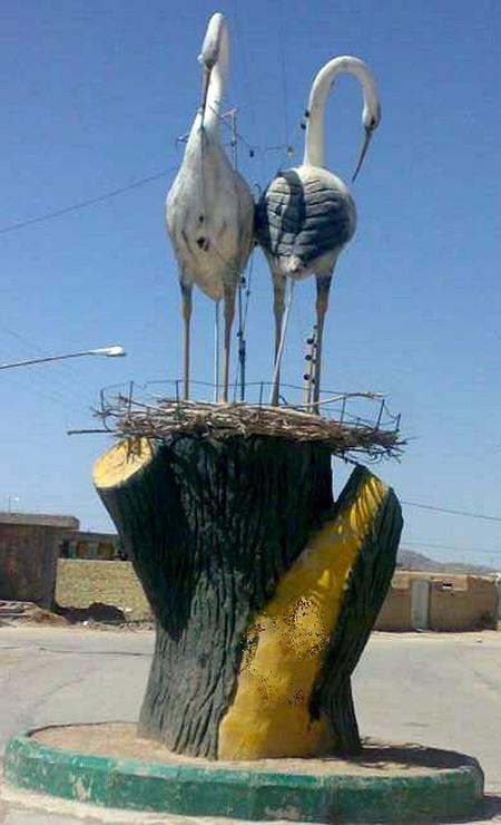تندیس لک لک ها در روستای دستجرد بختگان