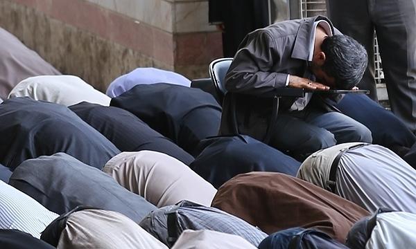 احمدی نژاد در نماز جمعه