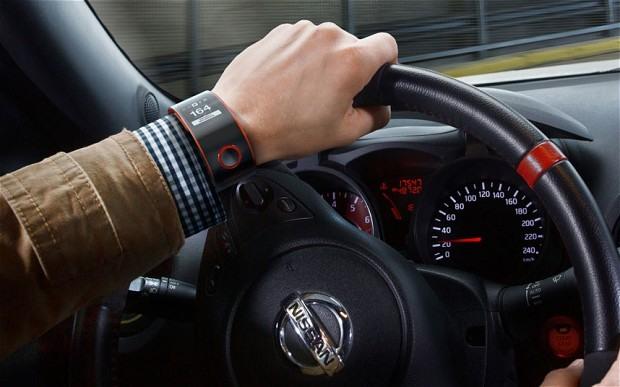 ساعت هوشمند نیسان