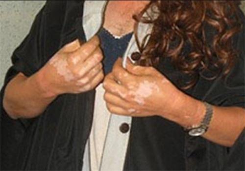 مرد زن نما لباس تحریک کننده عکس اسید پاشی حوادث اصفهان اخبار اصفهان آرایش زنانه
