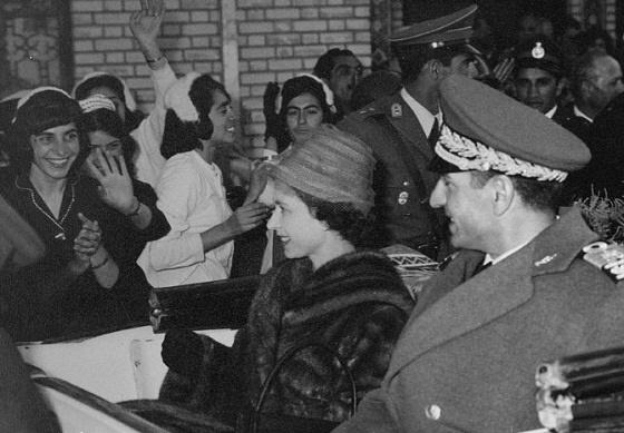 همسر ملکه انگلیس همسر ملکه الیزابت همسر محمدرضا شاه پهلوی ملکه انگلیس ملکه الیزابت فرح همسر محمدرضا شاه
