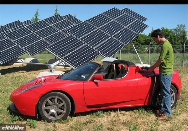 این خودروی الکتریکی با هر بار شارژ 640 کیلومتر راه می رود