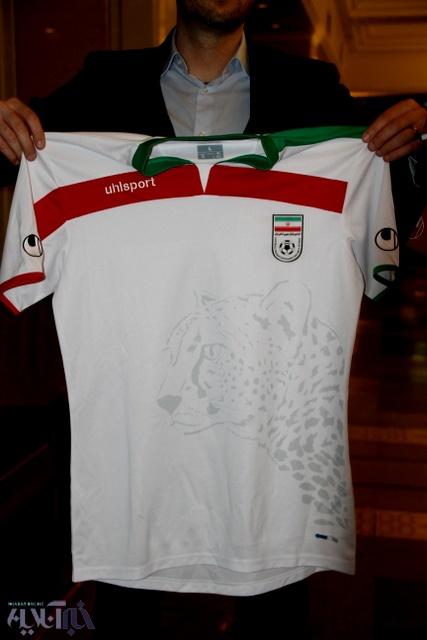 نماد یوز بر روی پیرهن تیم ملی