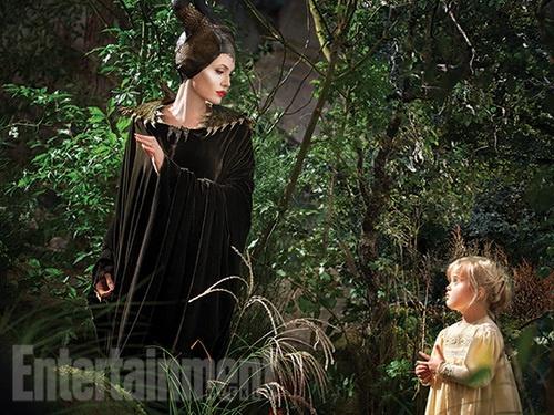 آنجلینا جولی و دخترش در فیلم «شیطانصفت»