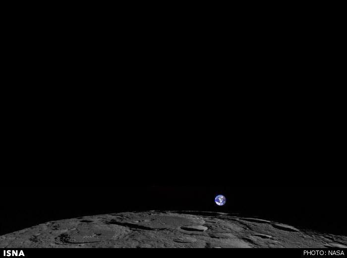 طلوع زمین از سطح ماه