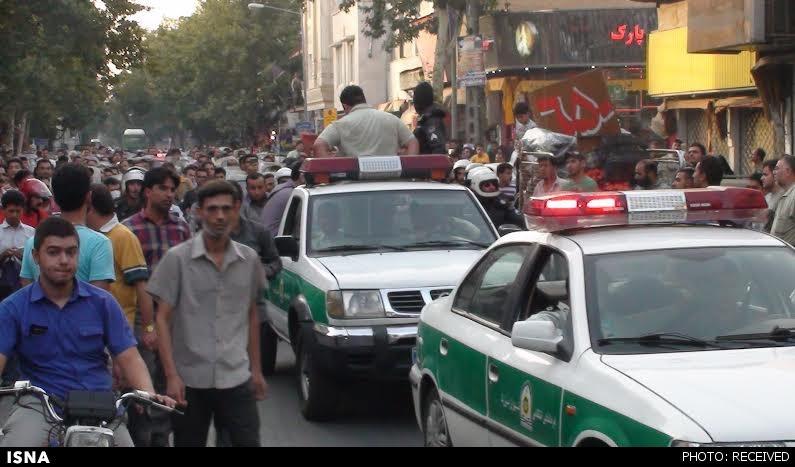 چرخاندن صمد کرده در خیابانهای تهران