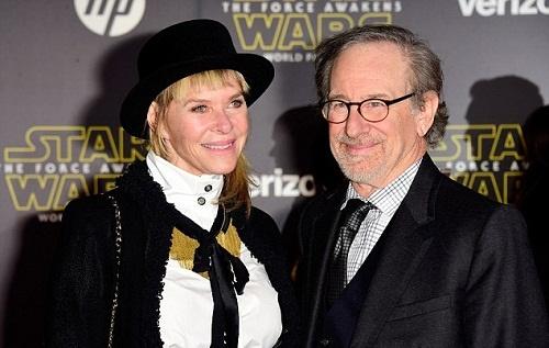 ااستیون اسپیلبرگ و همسرش کیت کپشاو