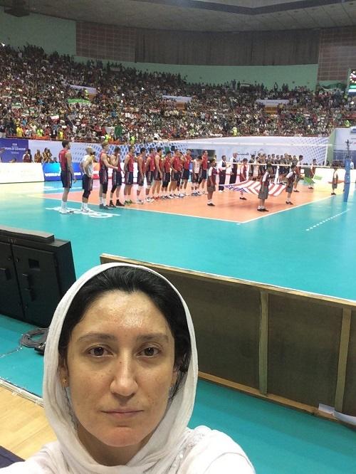 15-6-24-25639photo_2015-06-24_02-51-10 بانوی «ایرانی-آمریکایی» از تجربه تماشای بازی والیبال در ورزشگاه آزادی می گوید