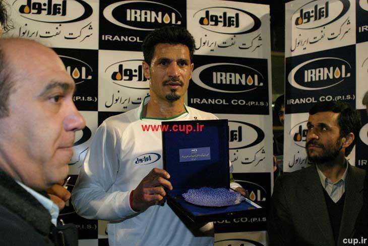 علی دایی در کنار احمدی نژاد + تصویر
