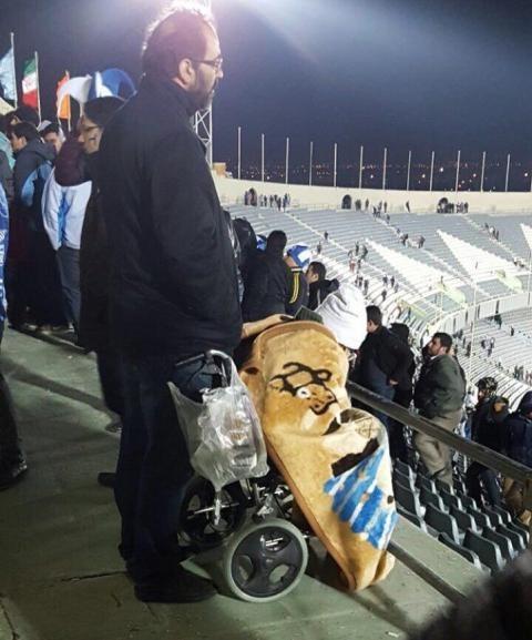 کاش بازیکنان استقلال این عکس را ببینند و به خود بیایند