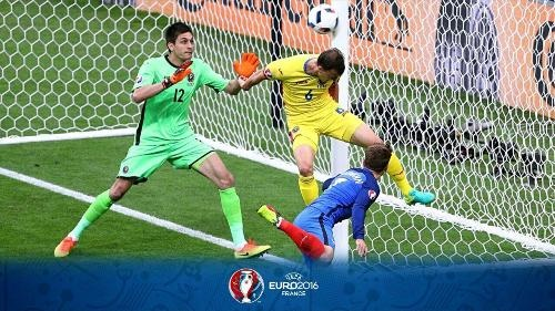 16 6 11 02421photo 2016 06 27 00 29 15 - فرانسه اولین پیروز یورو2016/ستاره پایت بود!