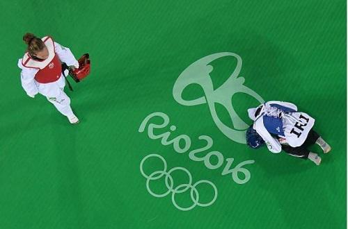 سجده شکر کیمیا پس از افتخارآفرینی در المپیک