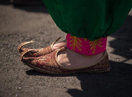 16 8 2 1124203 - عکس | لباس دختر افغان سوژه عکاسان المپیک
