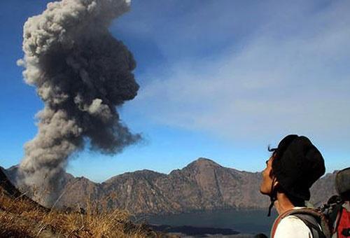Image result for آتشفشان رینجانی