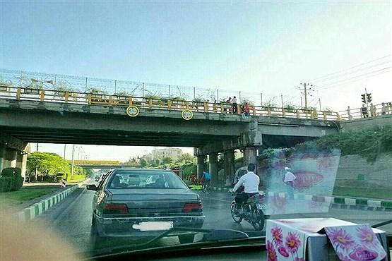 سومین خودکشی از روی پل استقلال مشهد طی سه ماه اخیر/ اینبار خودکشی نافرجام بود /عکس