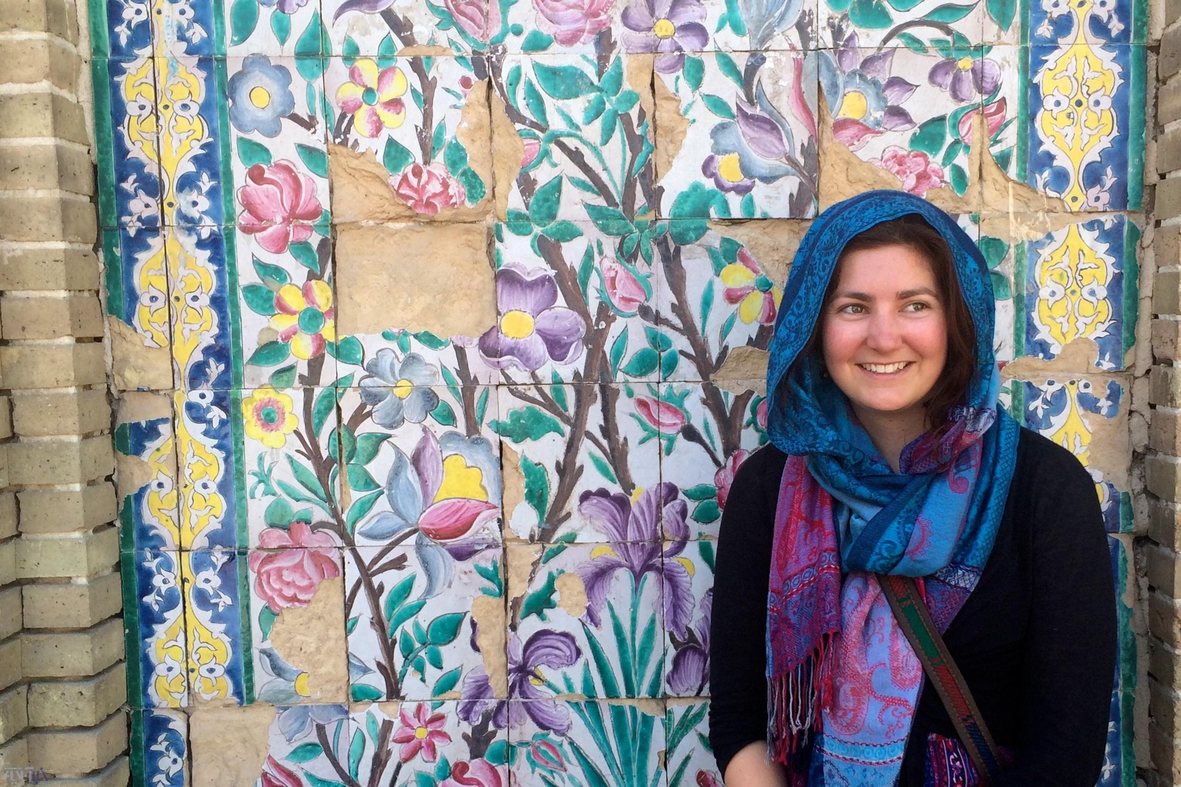 تعارف، دنیای زنانه، غذاها، امنیت و... ایران در گفتگو با زن جوان هلندی که به تنهایی سفر میکند