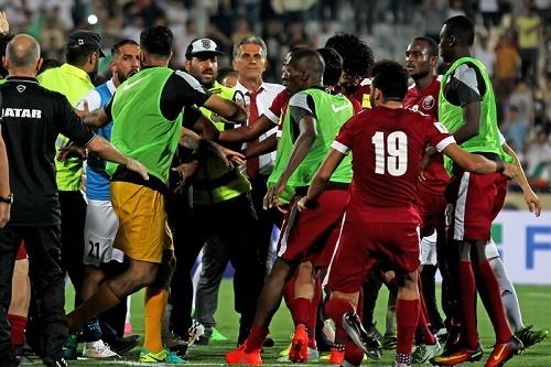 تصویری از درگیری در بازی ایران و قطر