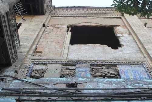 کاشیهای یک سرای قاجاری در ناصر خسرو ناپدید شدند!
