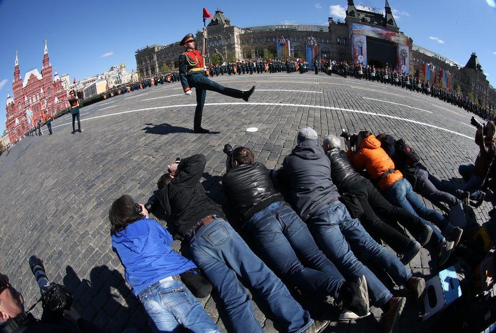 عکسی ازپوزیشن خبرنگاران در رژه ارتش روسیه