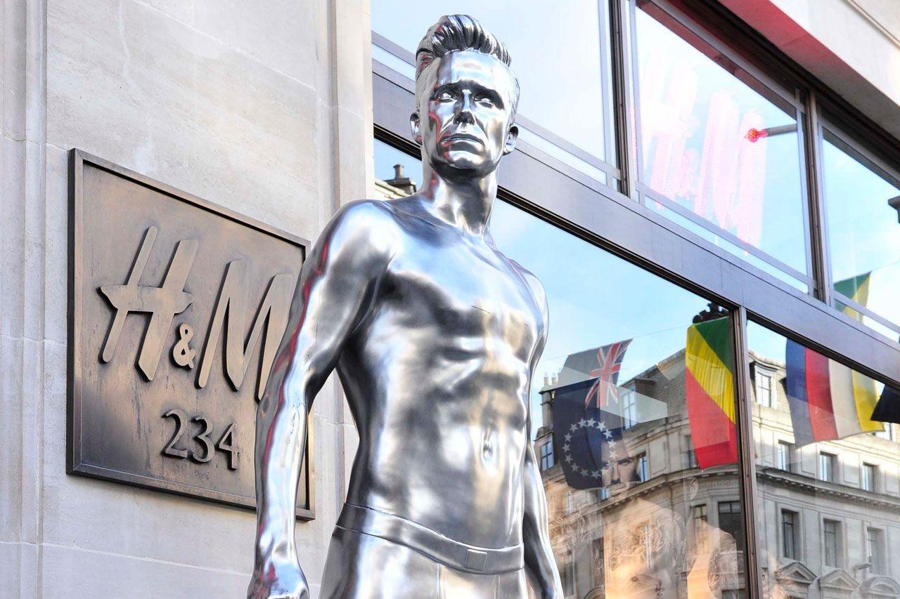 مجسمه های عجیب و غریبی که برای آدم معروف  ها ساخته شد/وقتی رونالدو خودش را نشناخت!