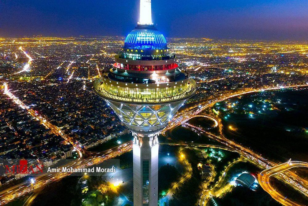 عکس داخل برج میلاد در تهران