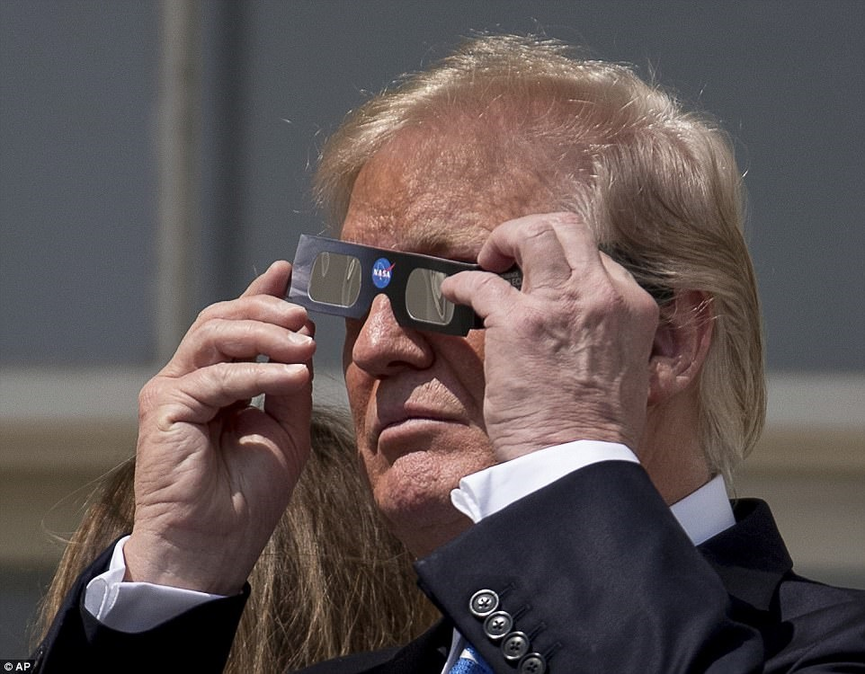 دونالد ترامپ,کسوف,نجوم آماتوری