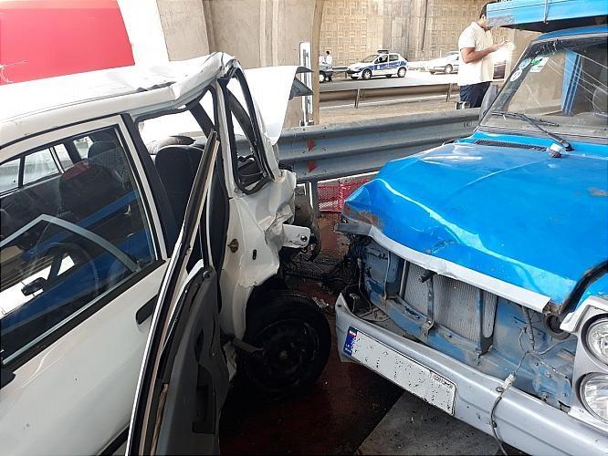 عکس/ تصادف وانتنیسان با پراید در بزرگراه آزادگان