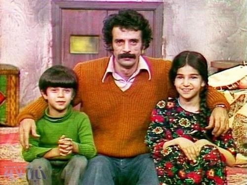 برنامه خاطره انگیز کودکانی که امروز 40 سالگی را رد کردهاند/ «خانه عروسکها» از زبان آریا عظیمی نژاد