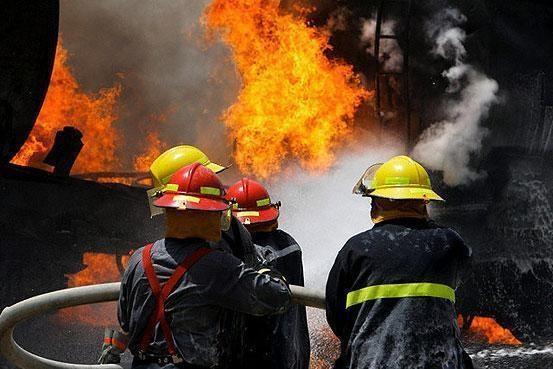 پژو 405 درتصادف با تریلی اسکانیا کاملاً سوخت/ 10 کشته و 46 مجروح در 11 تصادف