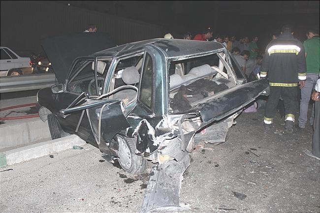 تصادف زنجیره ای 8خودرو در دو لاین اتوبان بندر امام خمینی آبادان/ 16کشته و 58 مجروح در سیزده تصادف