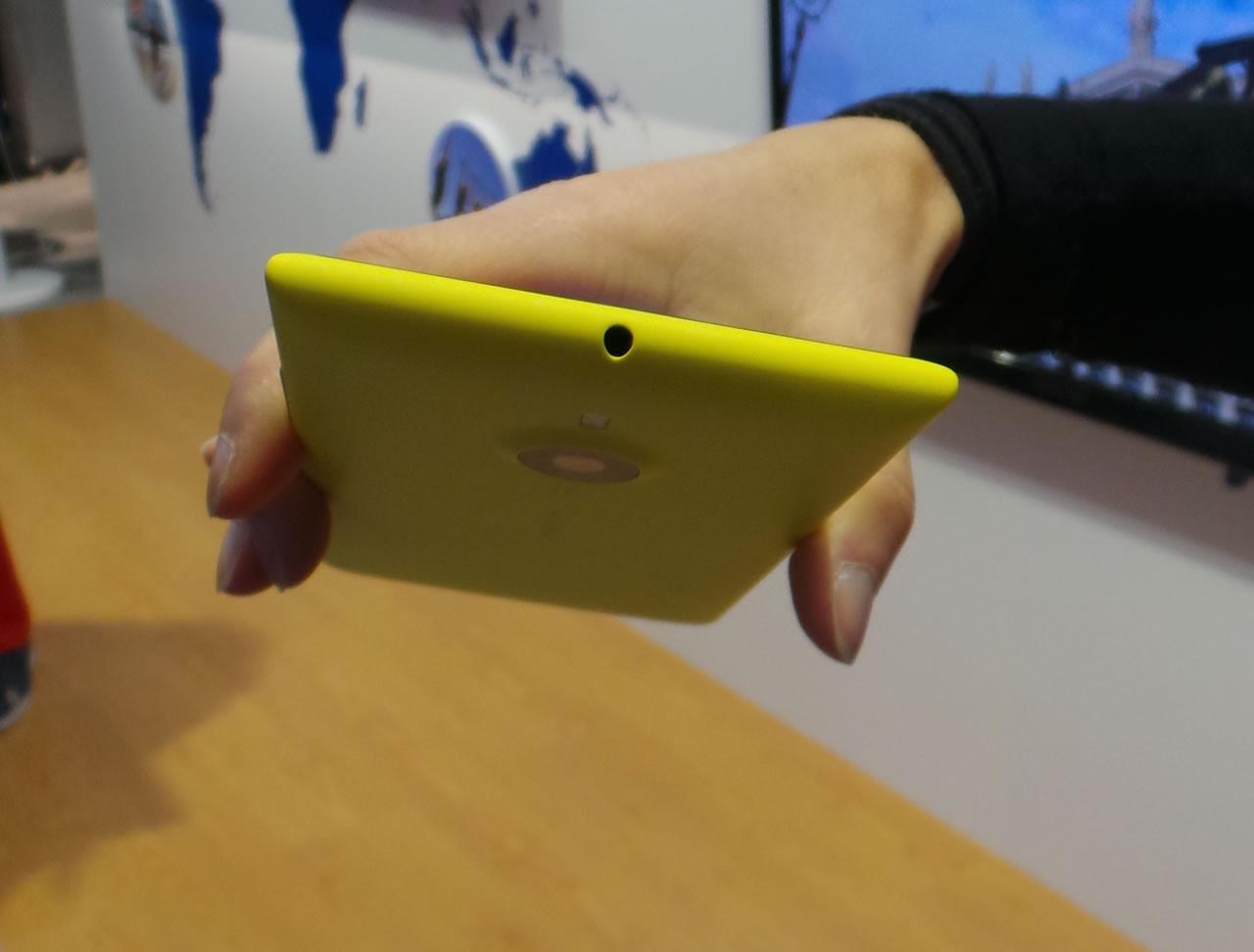 معرفی رسمی نوکیای 6 اینچی لومیا 1520 با دوربین 20 مگاپیکسلی/ تصویر اولین تبلت نوکیا 2520