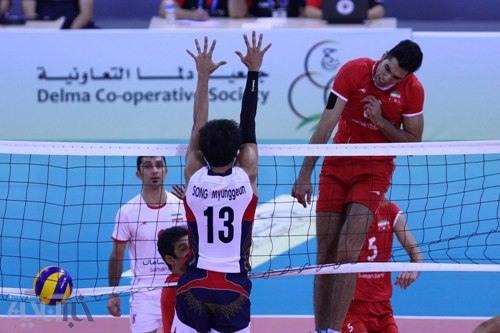 پرتاب ولاسکو به آسمان توسط والیبالیستها / تصاویری از قهرمانی تیم ملی والیبال ایران در آسیا