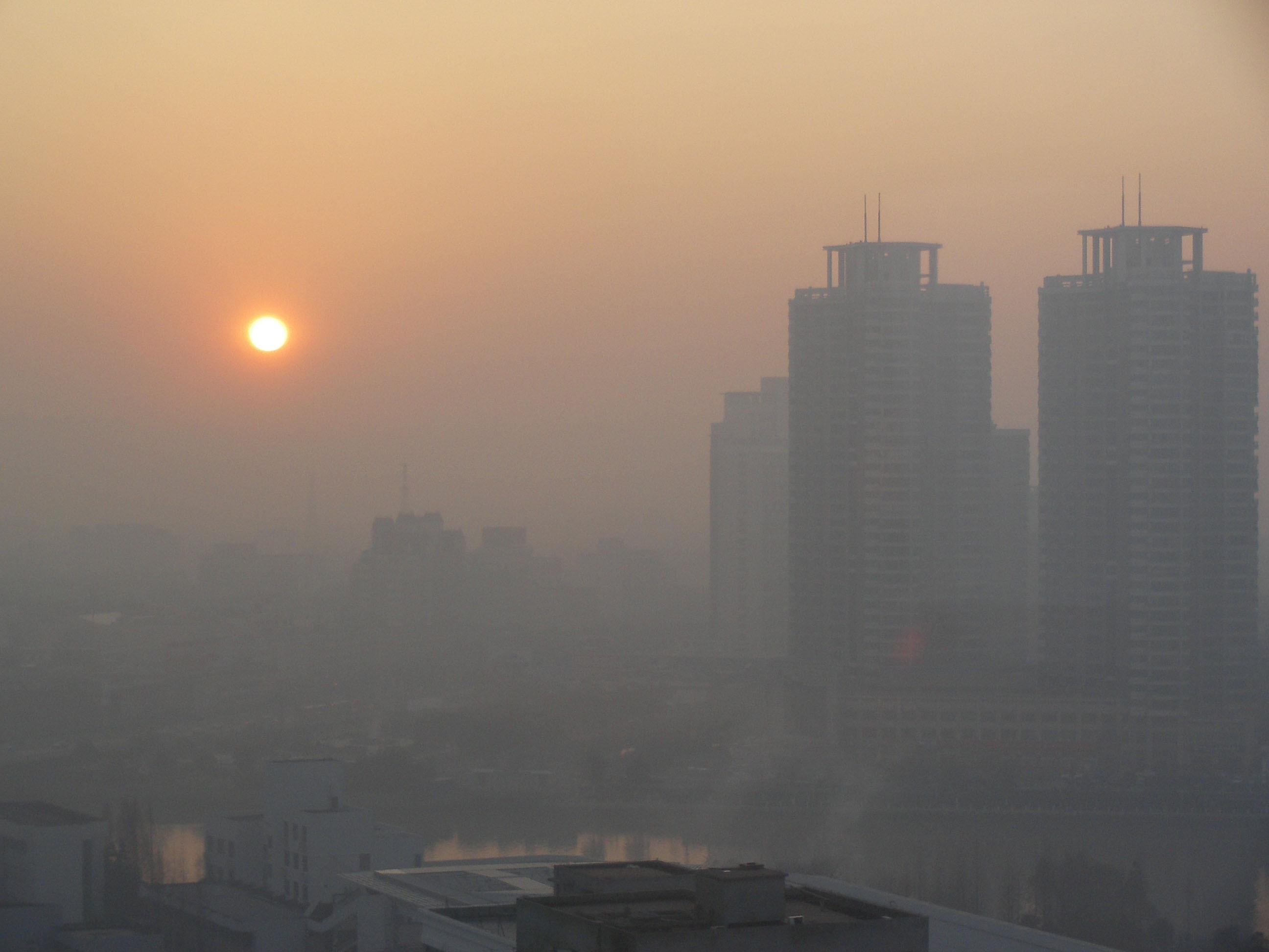 هوای تهران در آستانه اضطرار/ بحران آلودگی هوا در ۳ منطقه پایتخت