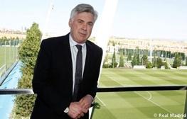 آنچلوتی: در پایان قراردادم با رئال، هم فوتبال را ترک میکنم هم سیگار را!
