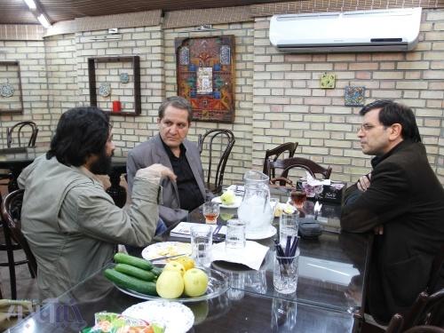 درباره باریکی گردن بنویسم/نشستی درباره کتاب «فیضبوک» با حضور اسماعیل امینی و ناصر فیض
