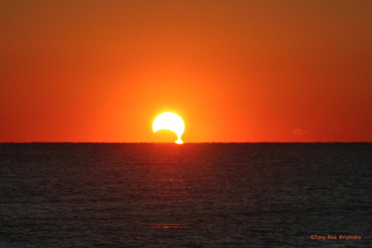جدیدترین تصاویر خورشیدگرفتگی-کسوف در <span class=