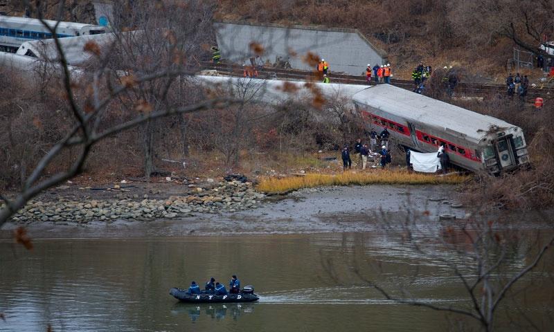 عامل خروج قطار از ریل در نیویورک اعلام شد؛ سرعت بالا