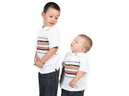 مادران، کوچکترین فرزندان را کوتاهتر میبینند