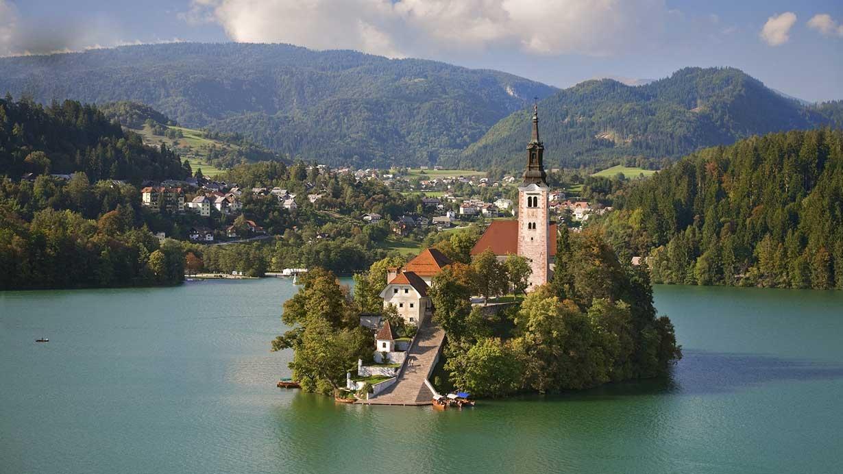 زیبایی های بی حد و حصر دریاچه بلد در اسلوونی