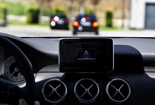 Car-to-X مرسدس بنز، اولین سیستم ارتباط خودرو به خودرو