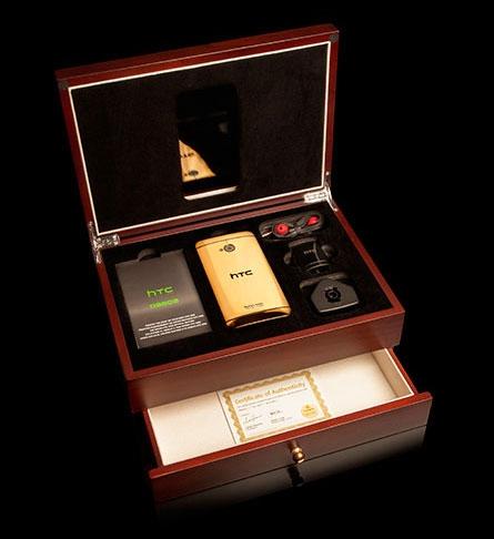"""تصویر """"اچ تی سی وان"""" ساخته شده از طلا؛ 2900 دلار"""