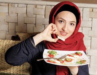 گلاره عباسی: با عمل زیبایی بازیگران مخالفم