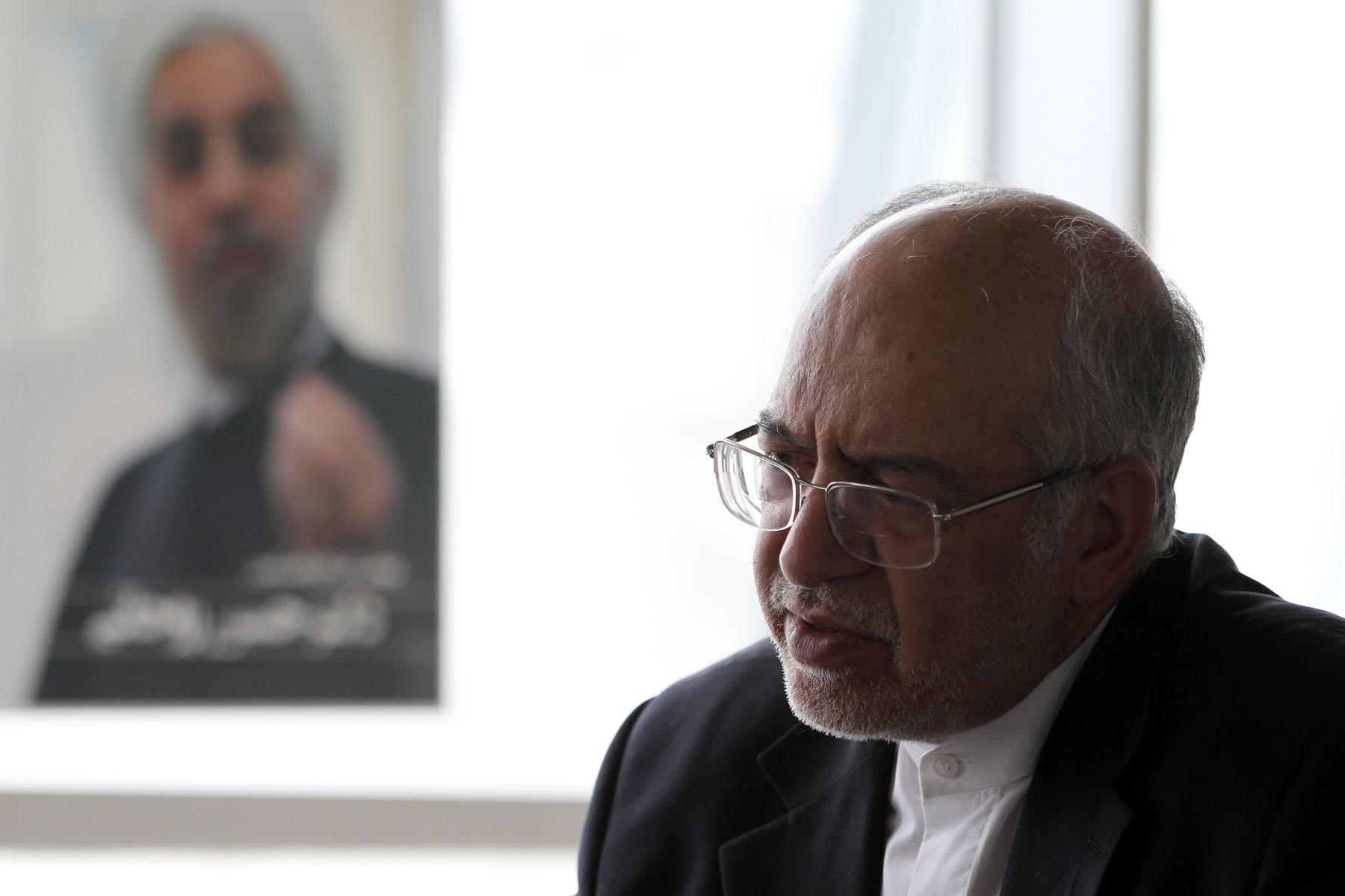 رئیس ستاد انتخاباتی روحانی  تشریح کرد: دریافت مالیات از آنانی که به علت نامعلوم معاف شده اند