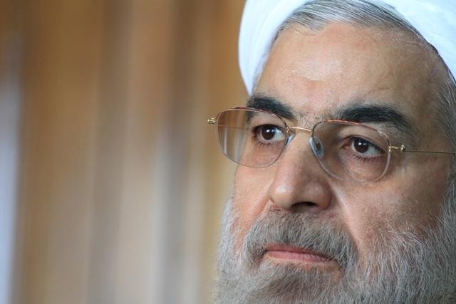 انتقاد صریح سایت محسن رضایی از توزیع شبنامه در قم و مشهد علیه روحانی /قوه قضاییه ورود کند/میخواهند جمهوری اسلامی را از بین ببرند