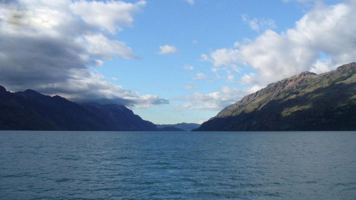 تصاویری از عمیق ترین دریاچه های جهان
