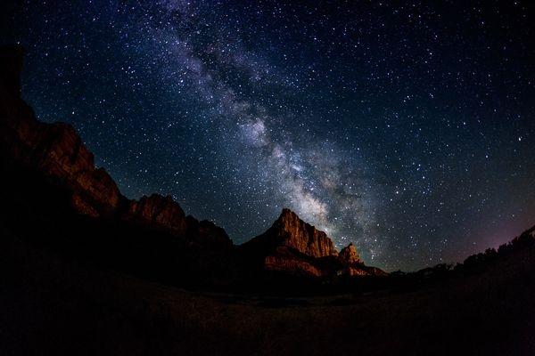 چشمنوازترین تصاویر فضایی هفته:  از آتشبازی آسمانی تا دوئل نورانی کهکشان راه شیری و دایره البروج