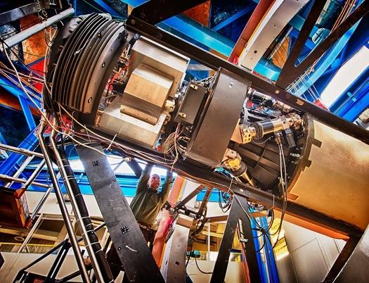 دوربین 570,000,000 پیکسلی، شکارچی رنگارنگ تاریکی