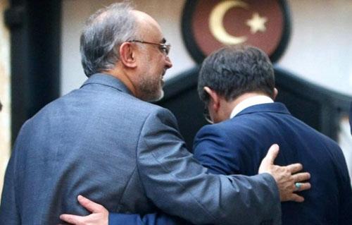 سیاست ایران در قبال تحولات مصر مشخص شد/آغاز تحرک دیپلماتیک تهران با تماس به قاهره و سفر به آنکارا