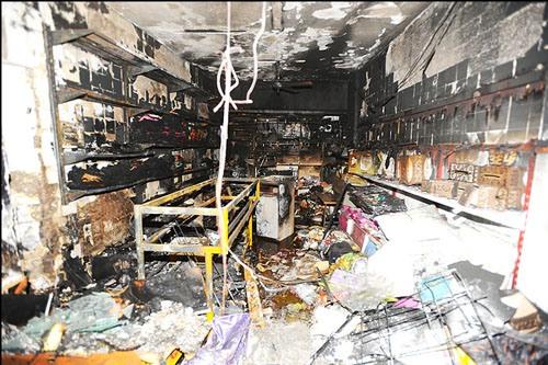 آتشی که پاساژ جواد مشهد را تعطیل کرد
